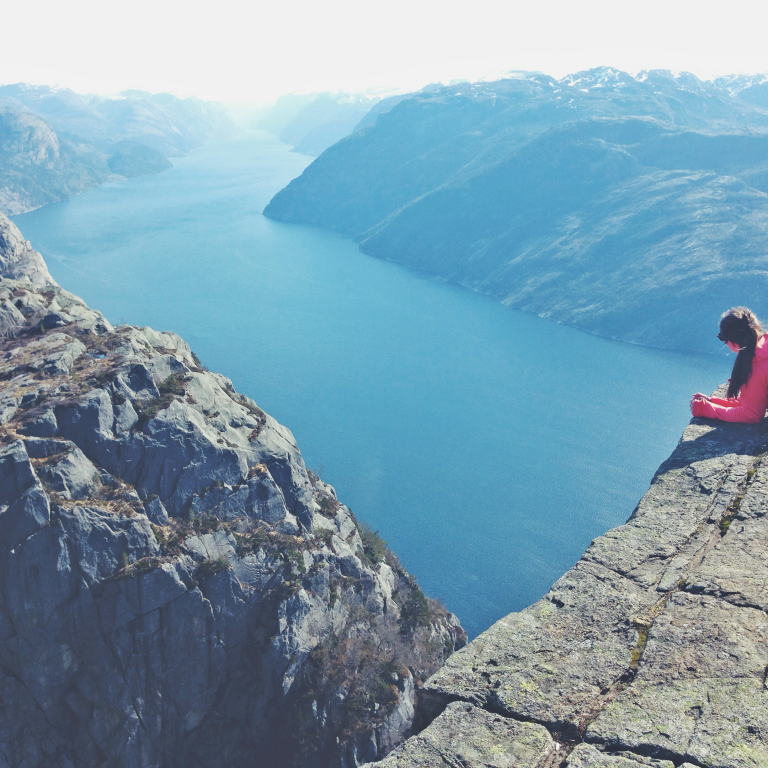 6 WAYS TO ACHIEVE PERSONAL GROWTH THIS YEAR