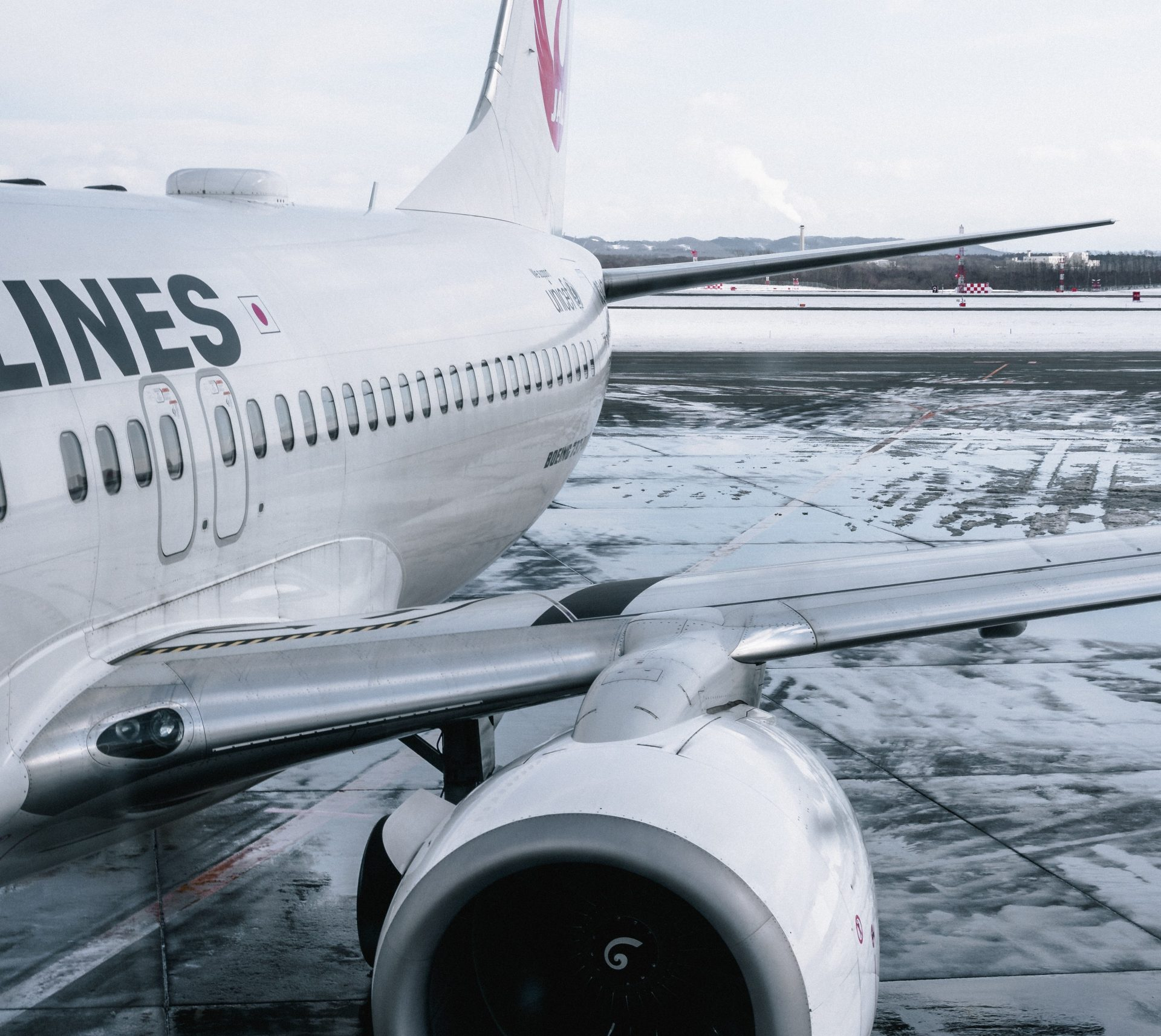 LONG HAUL FLIGHT ESSENTIALS CHECK LIST - HAYLEYXMARTIN.COM