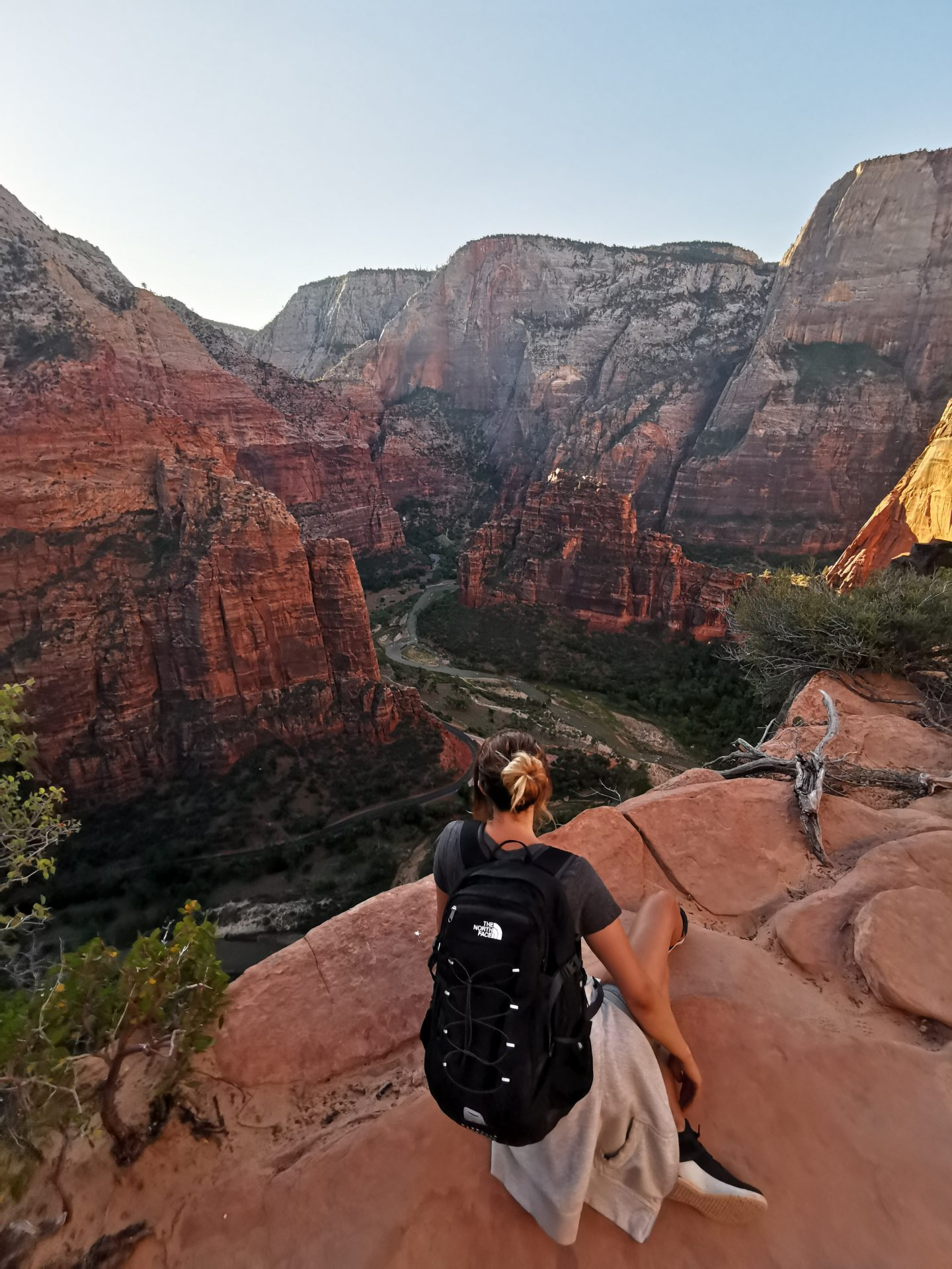 HAYLEYXMARTIN | GRAND TREK | TREK AMERICA | ZION NATIONAL PARK | ANGELS LANDING
